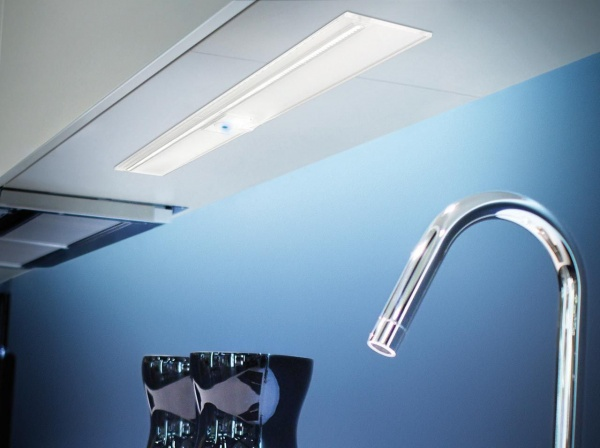 LED-Unterbauleuchte Wega mit Touch Schalter Aluminium